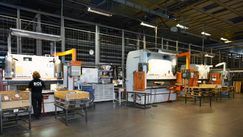 CNC sheet metal bending